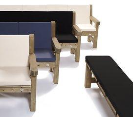 Talen Staphorst Tafels, banken en stoelen